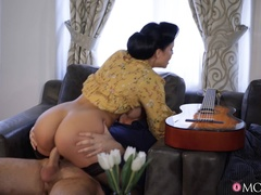 Horny housewife rides guitar tutor