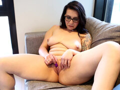 Brunette milf Chasey Devil plays with new vibrator
