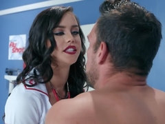 Alina Lopez is a perfect nurse because of body shapes and sex wishes
