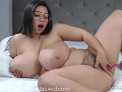 Large bum babes get worshiped and fucked