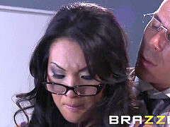 Brazzers - sloppy asain Asa Akira gets poked by her teacher