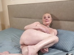Genital cumshot bang session with a real old granny who loves cock