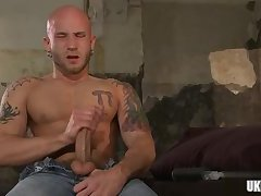 Muscle gay fetish and cumshot