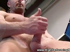 Amateur hunk masturbates in locker room