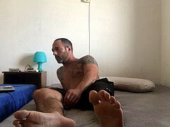 voyeur catches roomy cam model broadcast himself naked and masturbating showing feet