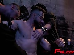 Horny guys banging blowing big cocks