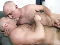 Carlo Cox and Jake Cruise (MIMB2 P4)