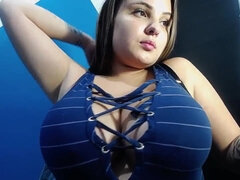 I wanna see her amazing huge natural tits!