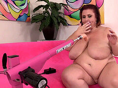 Fucking Machine Makes plus-size damsel Lynn jism