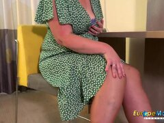 Lustful granny in stockings cums during solo with dildo