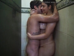 Amateur Sex in shower