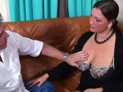 Boobalicious Wife Seduces a Excited Guy