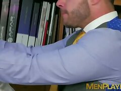 Bearded colleagues kiss and anal fuck at the office