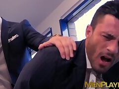 Cute stud enjoys taking his boss inside of his tight butt