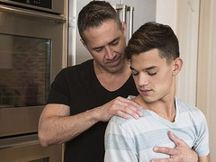 Massage and stepfamily sex with Xander Brave and Dean Phoenix